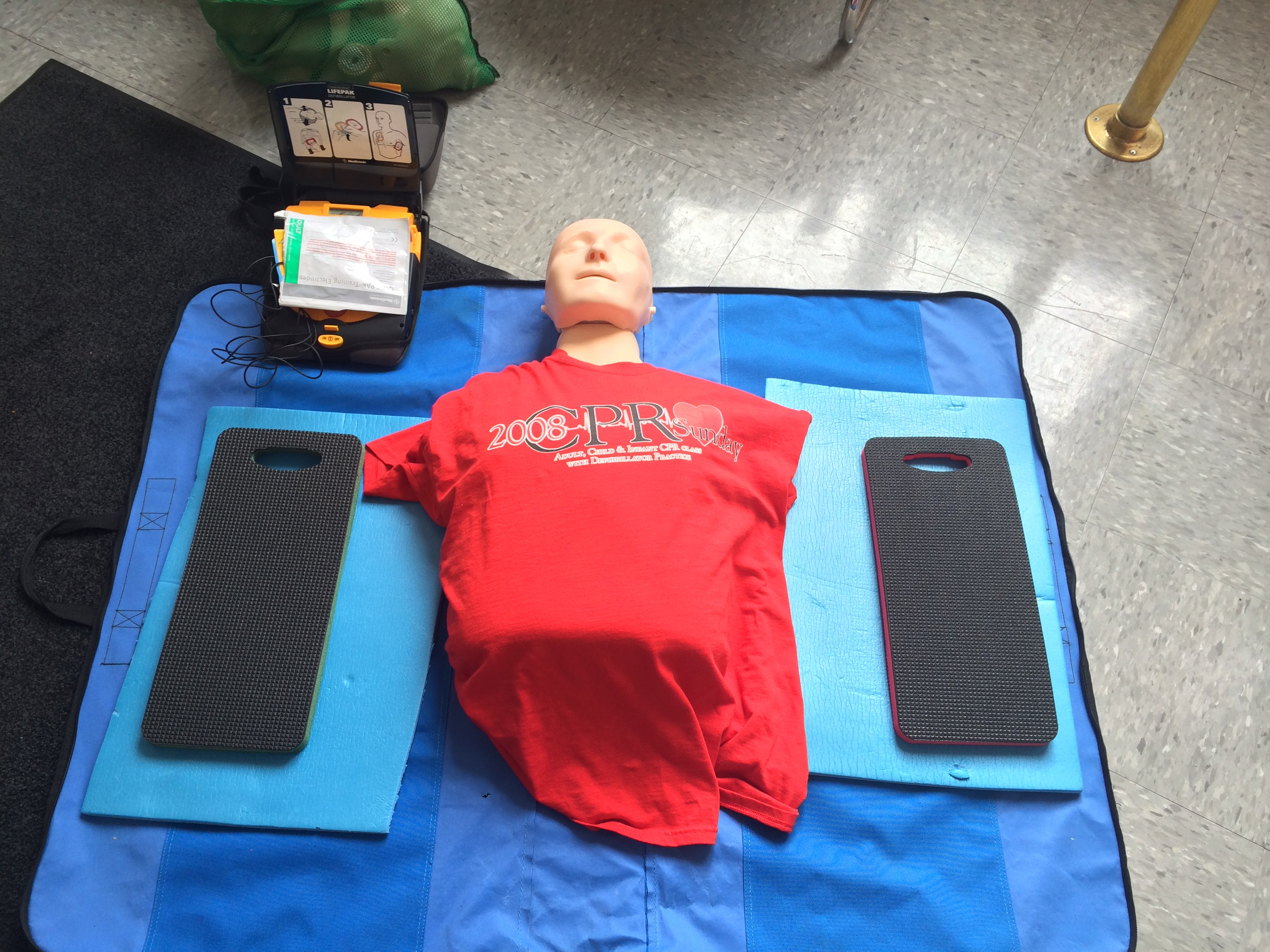 Cpr saturday ramblings a couple of dashes in my area they offer free cpr classes at local fire stations a couple of times a month that are open to city residents i know this is something that is xflitez Gallery